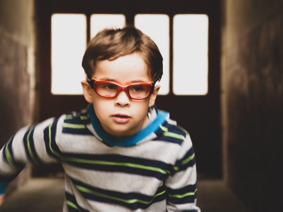 Dětské červené sportovní brýle