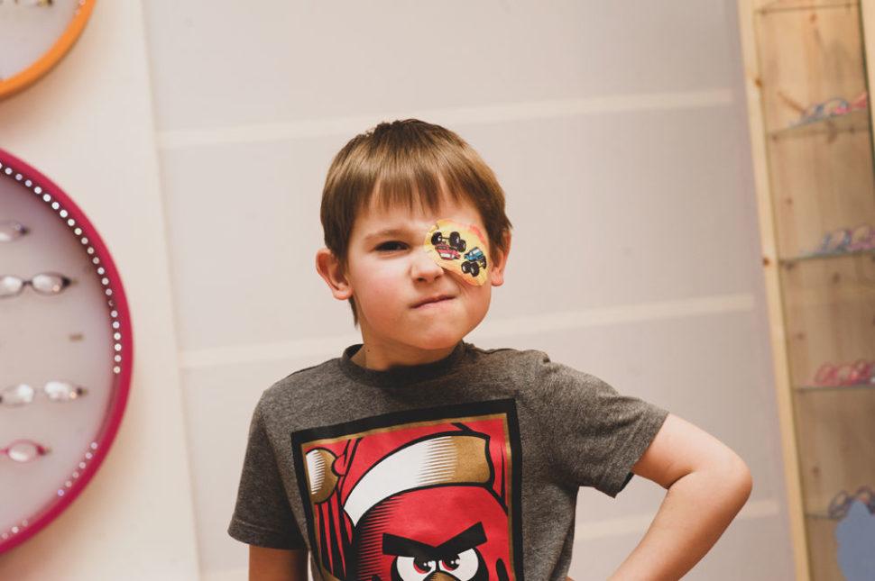 Dětský okluzor samolepicí auta