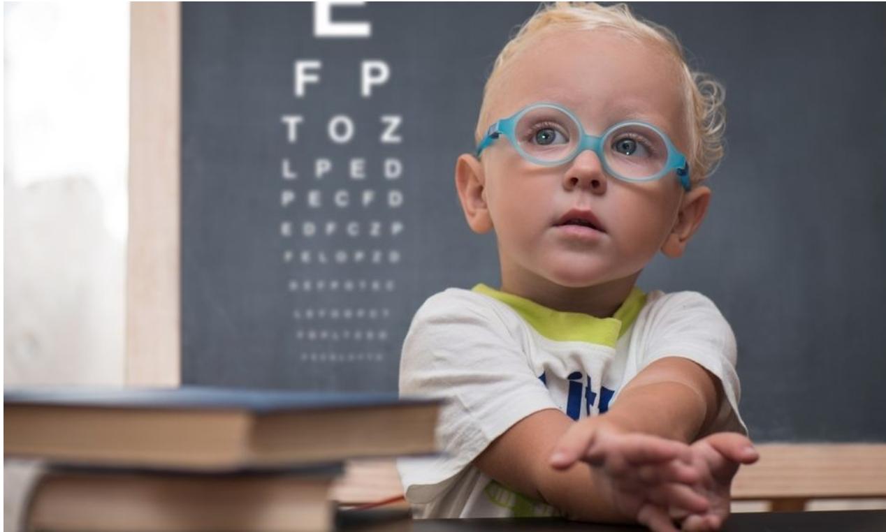 Děti oční vady dětské modré dioptrické brýle