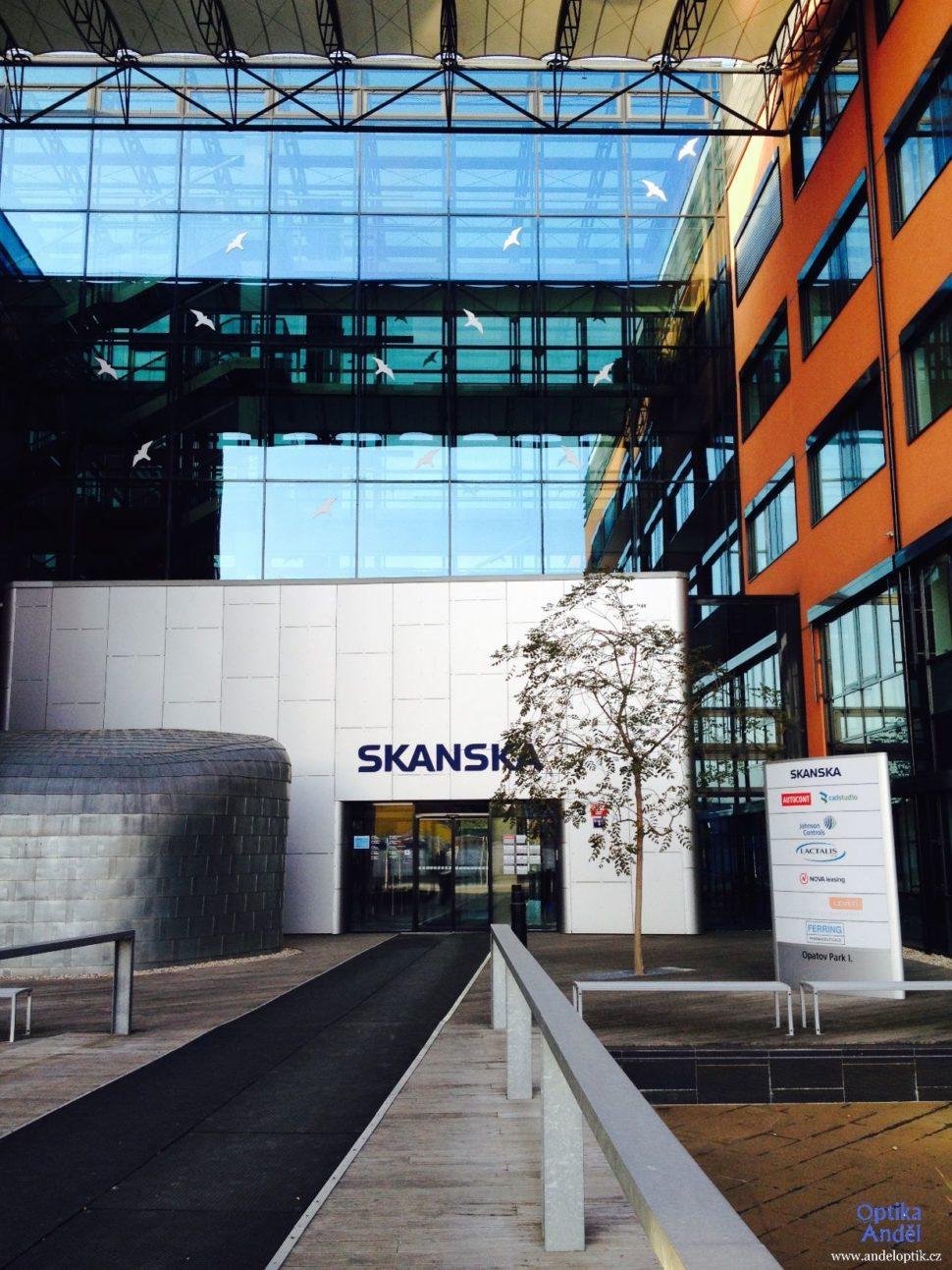 vchod do budovy SKANSKA měření zraku