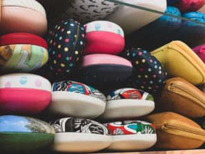 Dětská pouzdra nabrýle barevná spuntíky aobrázky
